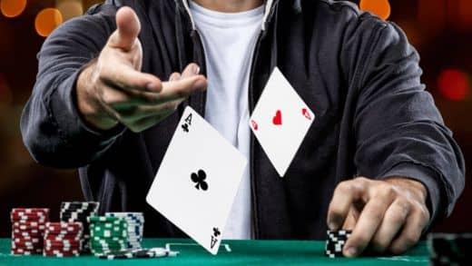 Как играть в покер на 1хбет?